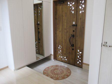 特注の玄関扉